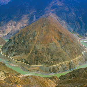 The beautiful Yangtze River is the longest river in China
