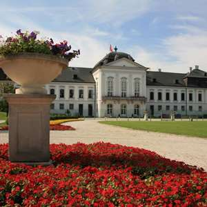 Schloss Hof - A Castle and its People