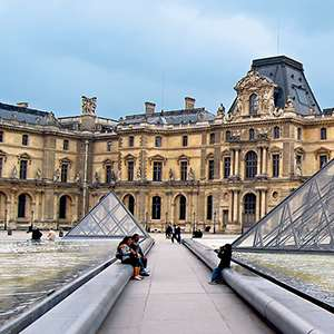 The Louvre & Its Masterpieces