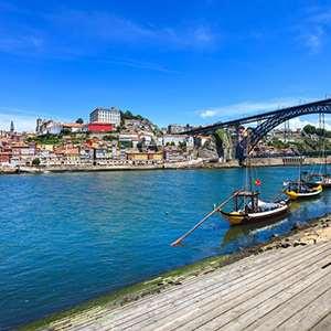 Douro Cruise & Riverside Dinner