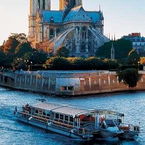 Eiffel Tower Dinner and Seine Cruise