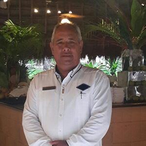 Tour Director - LUIS CÁCERES