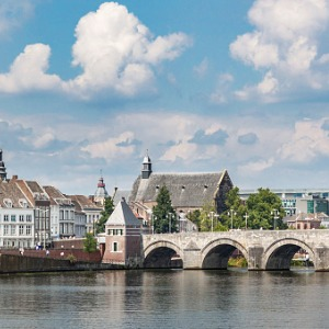 Tulip Time in Holland & Belgium WWI Remembrance & History Cruise with 1 Night in Amsterdam