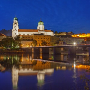 Festive Season on The Blue Danube Discovery with 2 Nights in Budapest & 2 Nights in Prague