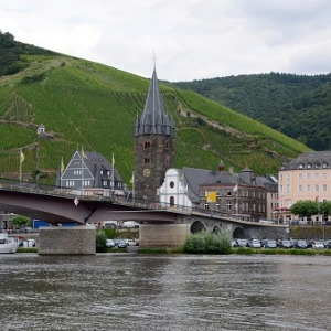 Jewels of Central Europe & Jewish Heritage with 2 Nights Paris