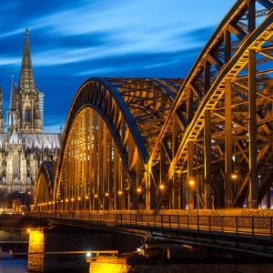 Festive Season on the Romantic Rhine with 2 Nights Paris & 2 Nights London