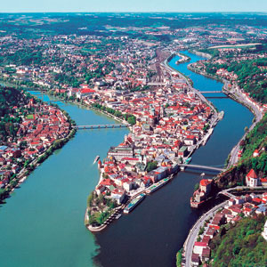 Christmastime on the Danube with 2 Nights in Prague (Westbound)
