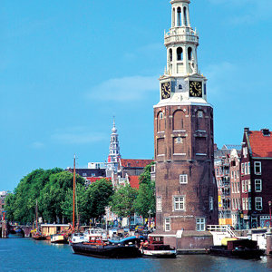 Amsterdam became one of the most important ports in the world during the Dutch Golden Age