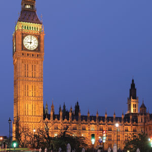 Marvel at the architecture of the infamous Big Ben in London