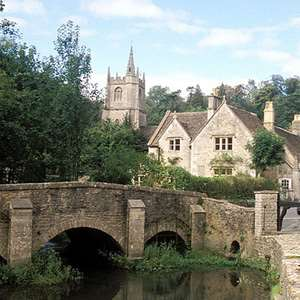 Excursion to 13th-Century Castle Combe