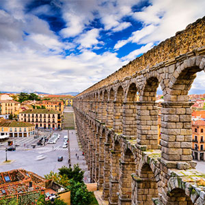 Wonders of Segovia: Aqueduct, Alcázar & eBike Adventure
