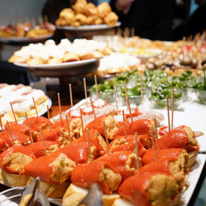 Discover Barcelona with Tapas Lunch