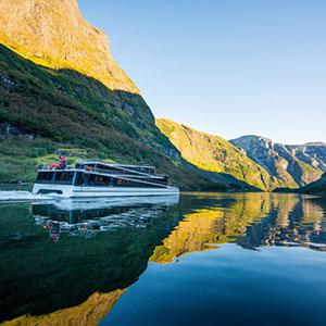 Naeroyfjord Cruise