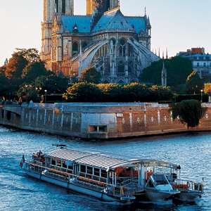 Eiffel Tower Dinner and Seine Cruise