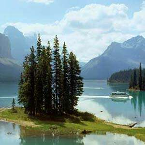 Maligne Lake Cruise to Spirit Island