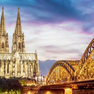 Romantic Rhine with 3 Nights in Lake Como, 1 Night in Lucerne, Mount Pilatus,  2 Nights in Paris & 2 Nights in London (Northbound)