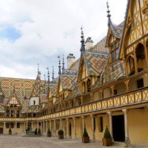 Burgundy & Provence with 2 Nights in Nice & 3 Nights in Barcelona for Wine Lovers (Southbound)