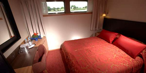 Avalon Deluxe Stateroom (Cat. E)